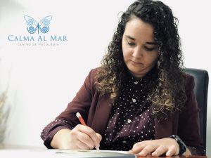 Andrea Mezquida. Psicóloga del Centro de Psicología Calma Al Mar, en Valencia