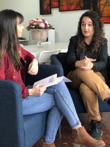 La escritora Andrea Mezquida, en un momento de la entrevista