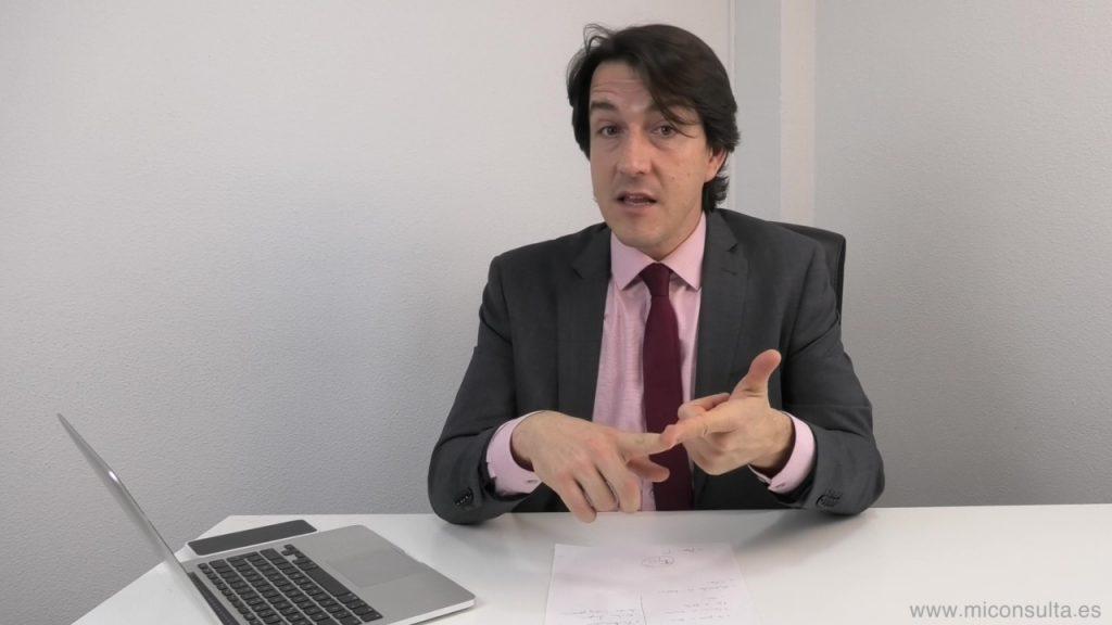 El psicólogo Fernando Pena hablando de ansiedad social