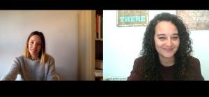 La psicóloga Paula Corral Lloret con la psicóloga Andrea Mezquida en un momento de la entrevista