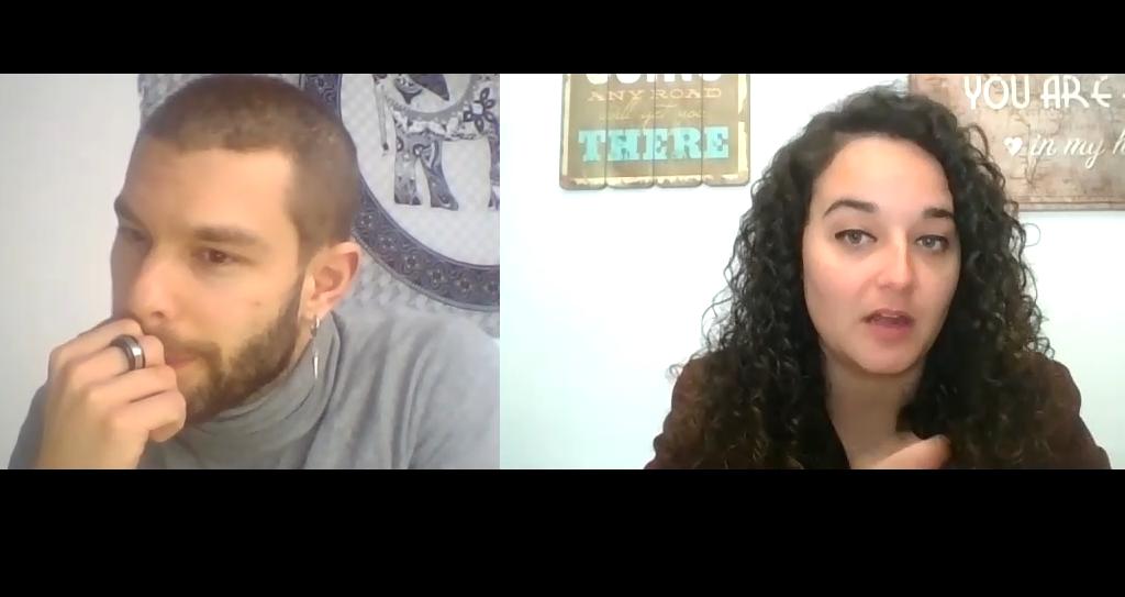 El psicólogo Alejandro Vera con la psicóloga Andrea Mezquida en un momento de la entrevista.