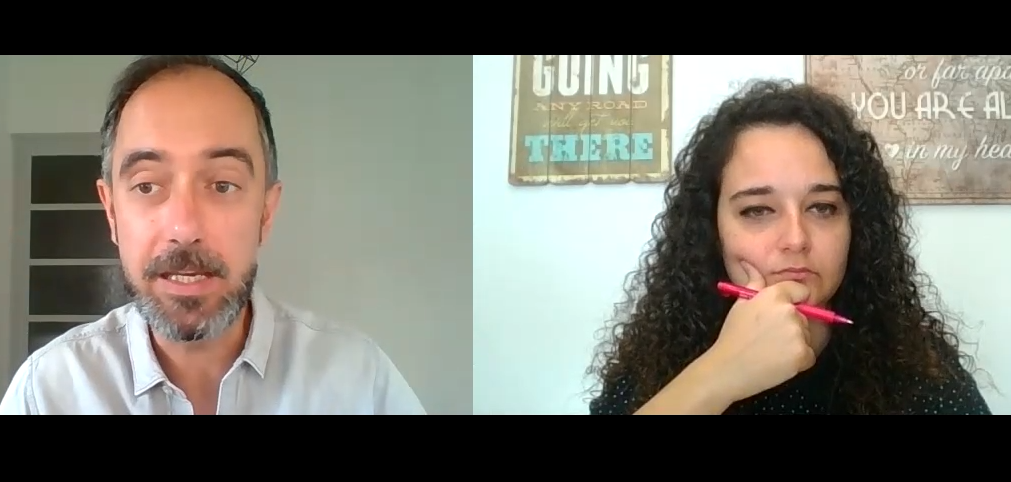 El psicólogo Antoni Martínez con la psicóloga Andrea Mezquida en un momento de la entrevista.